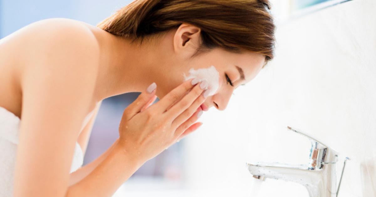 por-que-es-importante-lavarse-el-rostro-con-agua-fria
