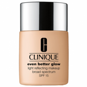 clinique-maquillaje-efecto-luminoso-even-better-glow-spf-15-ivory