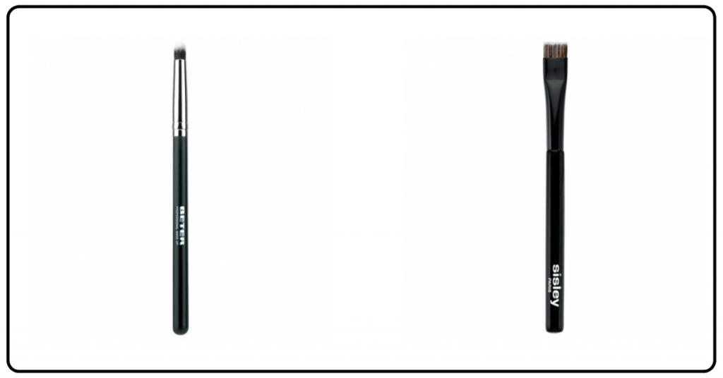 dos brochas con palo negro y pincel color marron una tiene el pincel en punta y el otro es cuadrado y plano sirven las dos para las sombras en los ojos