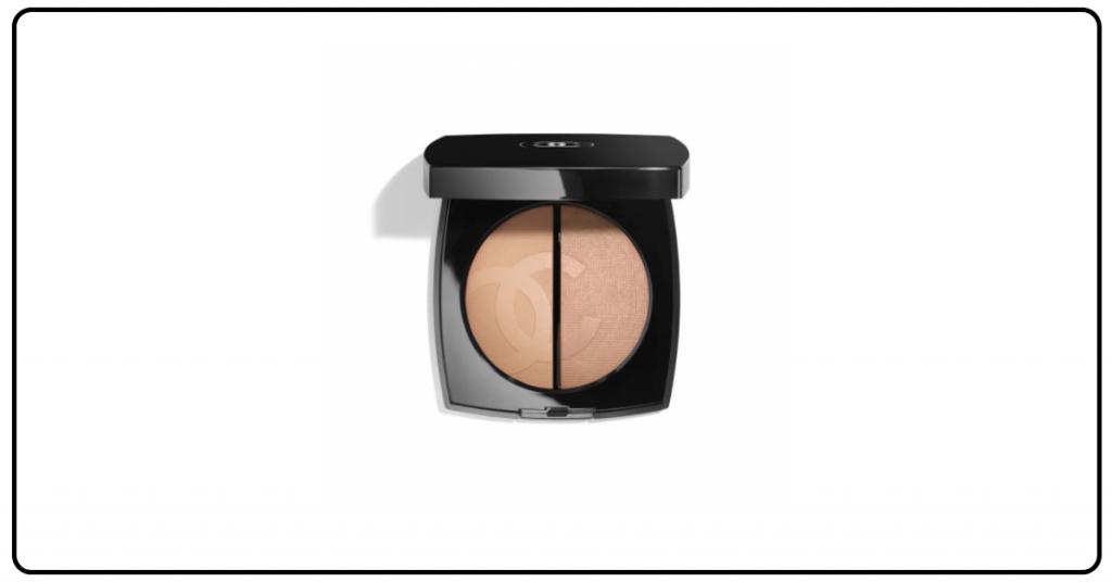 polvos bronceadores de chanel en un recipiente del clasico color negro de la marca los polvos estan divididos en dos uno con un tono marron claro el otro marron mas oscuro