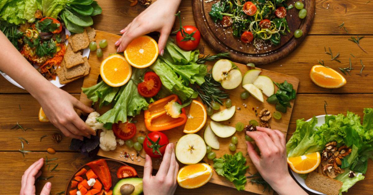 comer-bien-evita-que-te-salgan-granitos