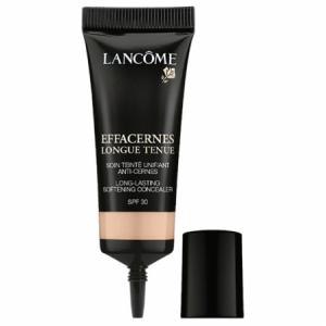 bote negro con maquillaje corrector de Lancome