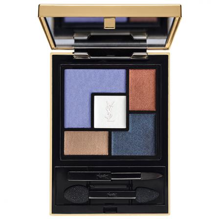 paleta de sombras de varios colores formando un cuadrador el espejo es dorado