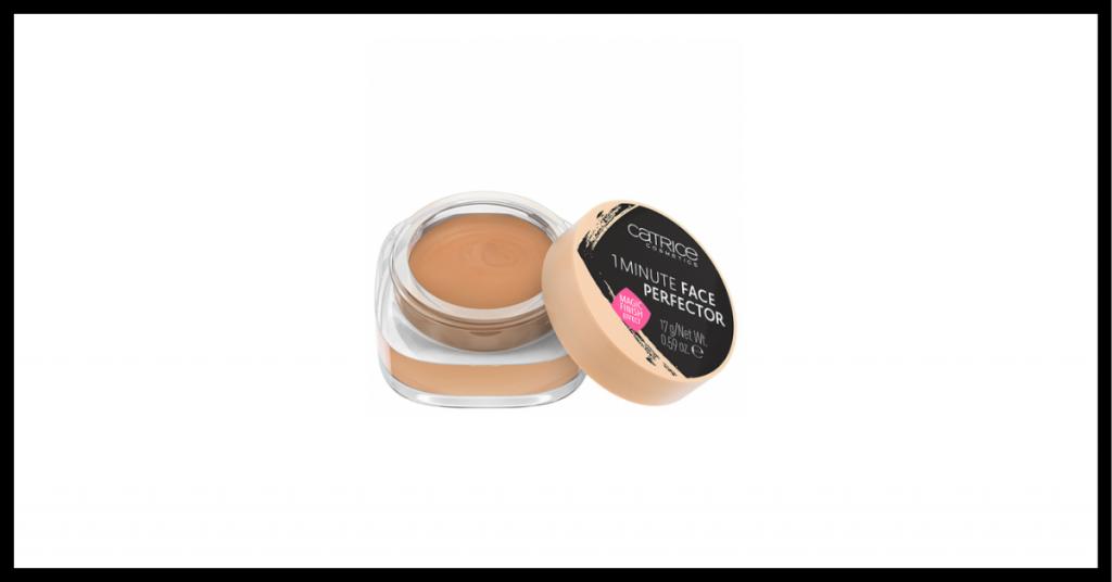 maquillaje primer color piel en un pequeño bote redondo con tapon negro