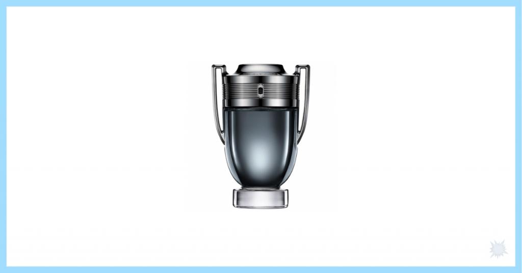 Fragancia para hombres Invictus de Paco Rabanne en un frasco gris con forma de trofeo y que es otra idea para regalar a vuestros padres por su día y acertar